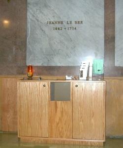Tombeau de Jeanne Chapelle Notre-Dame de Bon-Secours, Vieux-Montréal